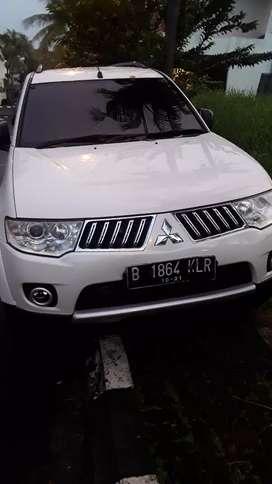 Pajero sport exceed 2.5 diesel 2012 putih