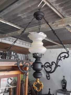 Lampu Gantung Lawas Klasik