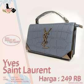 Yves Saint Laurent Size   : 20 x 7 x 16 Color :
