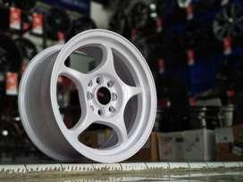 Velg mobil ring 15 hole 8x100-114,3 warna putih velg brio , agya