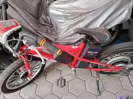 Sepeda listrik sellis thunder