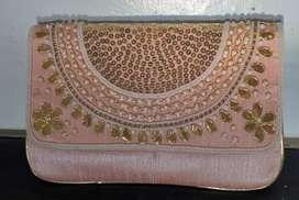 Ladies purse Rs. 400