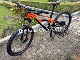 Sepeda Polygon MTB siskiu D5 hitam oranye