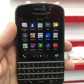 Blackberry Q10 (2GB 16GB) whatsApp supported