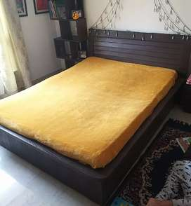 Queen Size Bed with Hydraulic Storage and Matress.