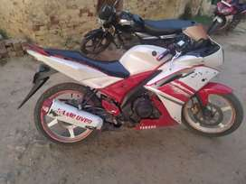 Yamaha R15 with white and red colour 2010 model