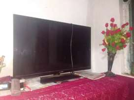Llyod led tv 32 inch Full condition and 2 years old
