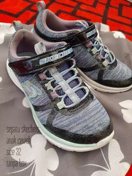 Preloved sepatu skechers