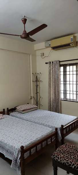 Naikannal 1 BHK a/c furnished one Room for rent