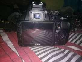 Nikon D3100 dengan Tripod & lensa