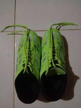 Sepatu footsal bekas baru sekali pakai gan