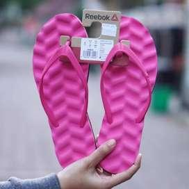 ORIGINAL Sandal Reebok Wanita Pink Karet Flip Flop Jepit BNIB