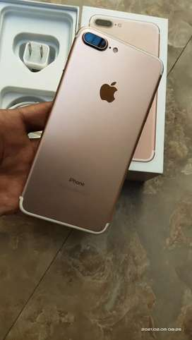 Iphone 7 plus 128gb, Factory unlocked , 10/10 Condition with box