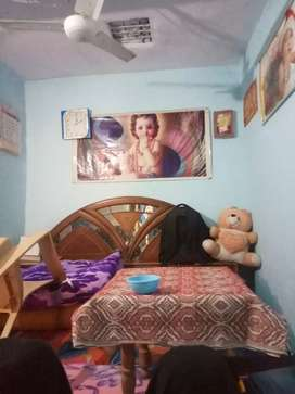 Room on rent  on 1st floor for bachelor in lahoria Chowk Hisar.