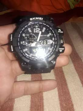 Skemi watch .only at 600rupees