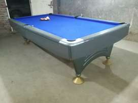 1 ENGLISH pool table 4.5/9 with cloth and sticks snooker