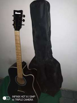 Gitar akustik Ibanez hitam finger mapel