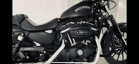 Harley  Iron 883
