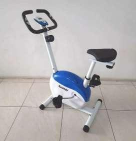 Alat fitness sepeda setatis magnetic bike Xc//001