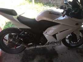 Dijual motor kesayangan ninja 250