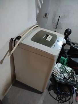 Mesin cuci dan kulkas 2 pintu merk lg jual global