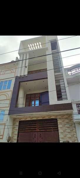 आर्किटेक्ट और इंजीनियर की देखरेख में अपना मकान ठेके पर बनवाएं