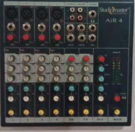 Mixer studiomaster