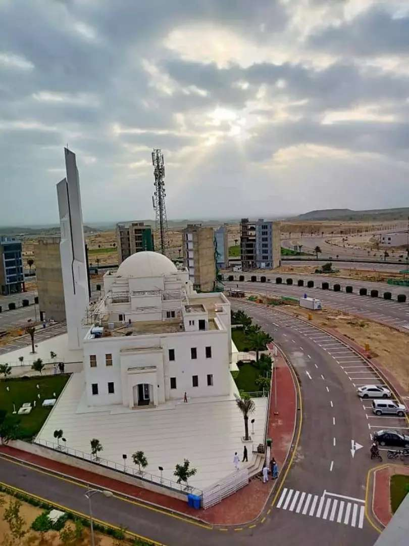 4 bad rooms apartment for sale in Bahria town Karachi 0
