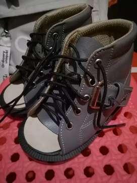 Sepatu Koreksi Terapi