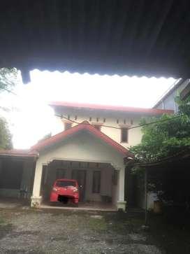 Dikontrakan Rumah Pinggir Jalan Raya
