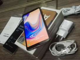 Samsung Galaxy A7 2018 / 19 With full packing and accessories 10 by 10