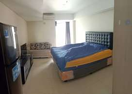 Apartemen studio corner furnish disewakan di apartemen warhol semarang
