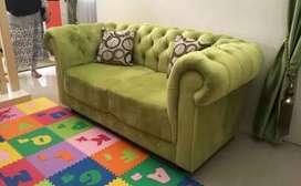 Jasa servis sofa panggilan bergaransi