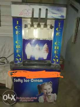 Ice cream mashine