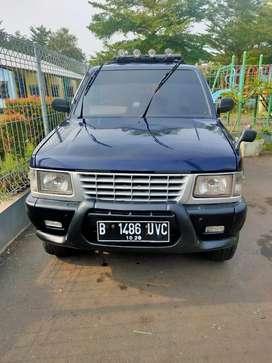 Isuzu Panther 2.5 MT 1994