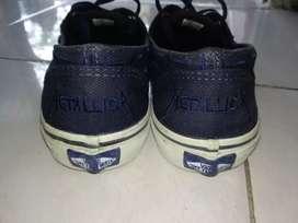 Vans Metallica  ukuran 8.5 / 48