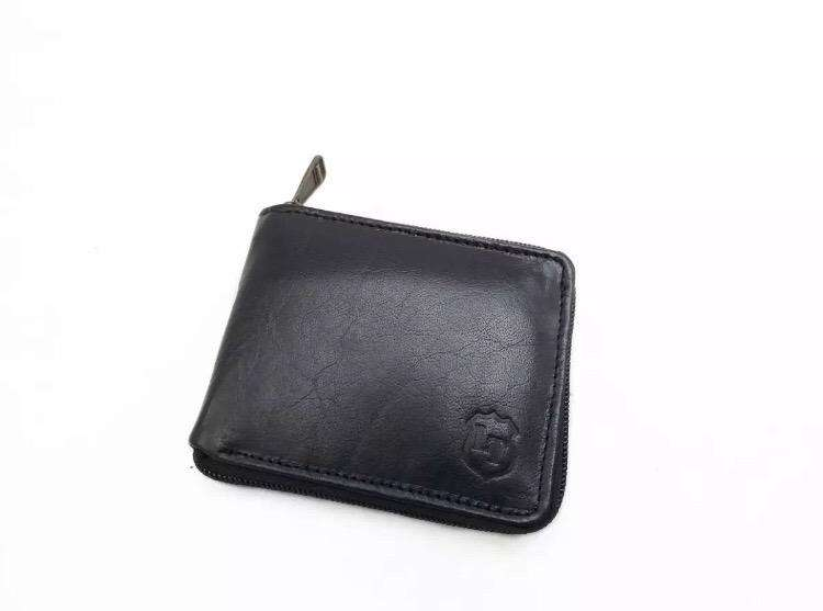 Zipper Wallet in Pure Leather for Men. Total 11 pockets. 0