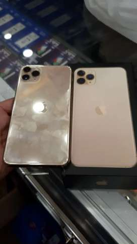 11 pro max 256gb gold colour just like new