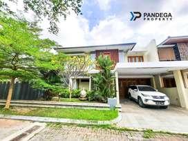 Rumah Mewah LT=527 m2 Jln Magelang Km 6 Dalam Perumahan Semi Furnished