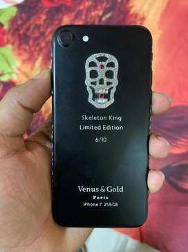 Iphone 7 with Skeleton King body