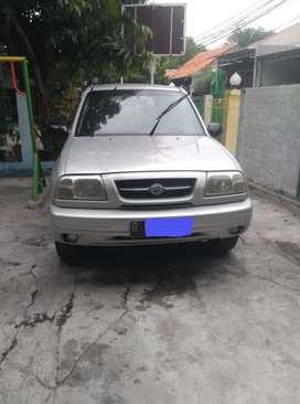 Suzuki escudo 2004 murah