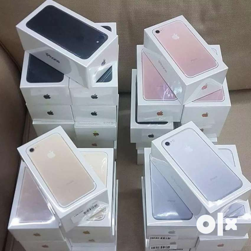 All iPhones and Samsung Mobiles available 0
