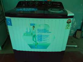 VOLTAS Semi automatic machine in warranty