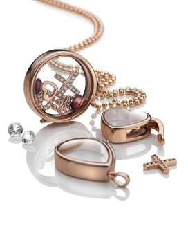 Leading Gems and Jewelry Jewelry Brand Require Rajkot