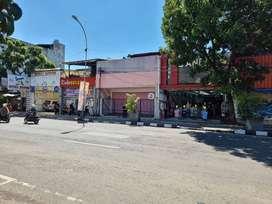 Sewa ruang usaha, cocok untuk toko, lebar 7 m, lokasi dekat alun2 bdg.