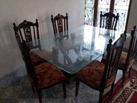 Dining table taali wood with glass top
