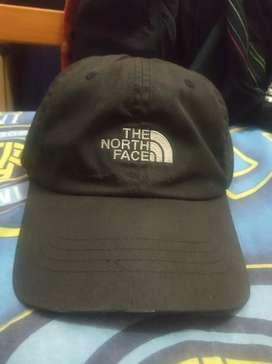 Topi TnF (The North Face)