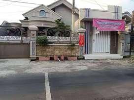 Rumah Mewah Jalan Utama Perumahan Gunung Batu