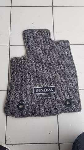 Karpet mobil Innova
