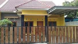 Rumah depan SMA Taruna